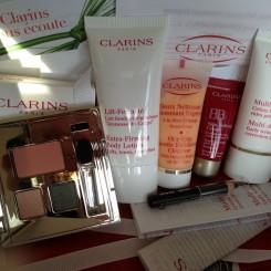 GlossyBox_Les_indispensables-de_Clarins_01