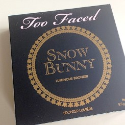Too_Faced_Snow_Bunny_01