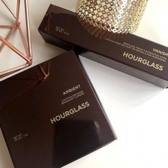 Hourglass-Ambient-Bronzer-&-Vanish-Seamless-Finish-Foundation-Stick-1